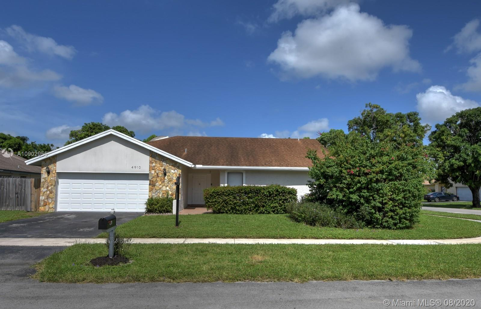 4910 NW 84th Ave  For Sale A10902955, FL