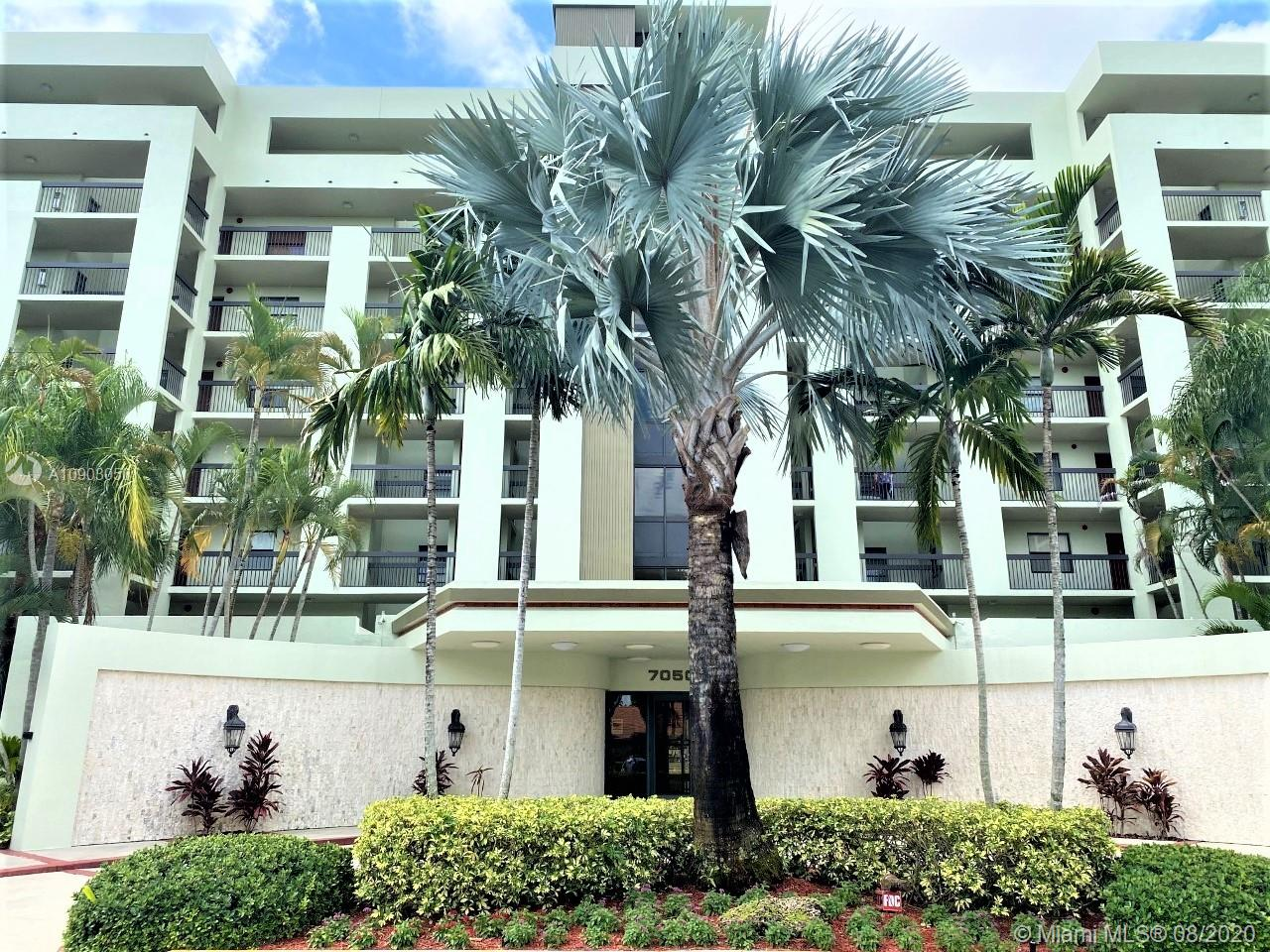Absolutely stunning and meticulously kept 1416sq/ft - 2 bed - 2 bath condo overlooking pool and has golf course and water view. This furnished 6th floor unit has upgraded kitchen w/ SS appliances - tile floors throughout - washer  & dryer in unit. Horizons is a gated community & has a 10% down minimum requirement and cant be leased 1st year.