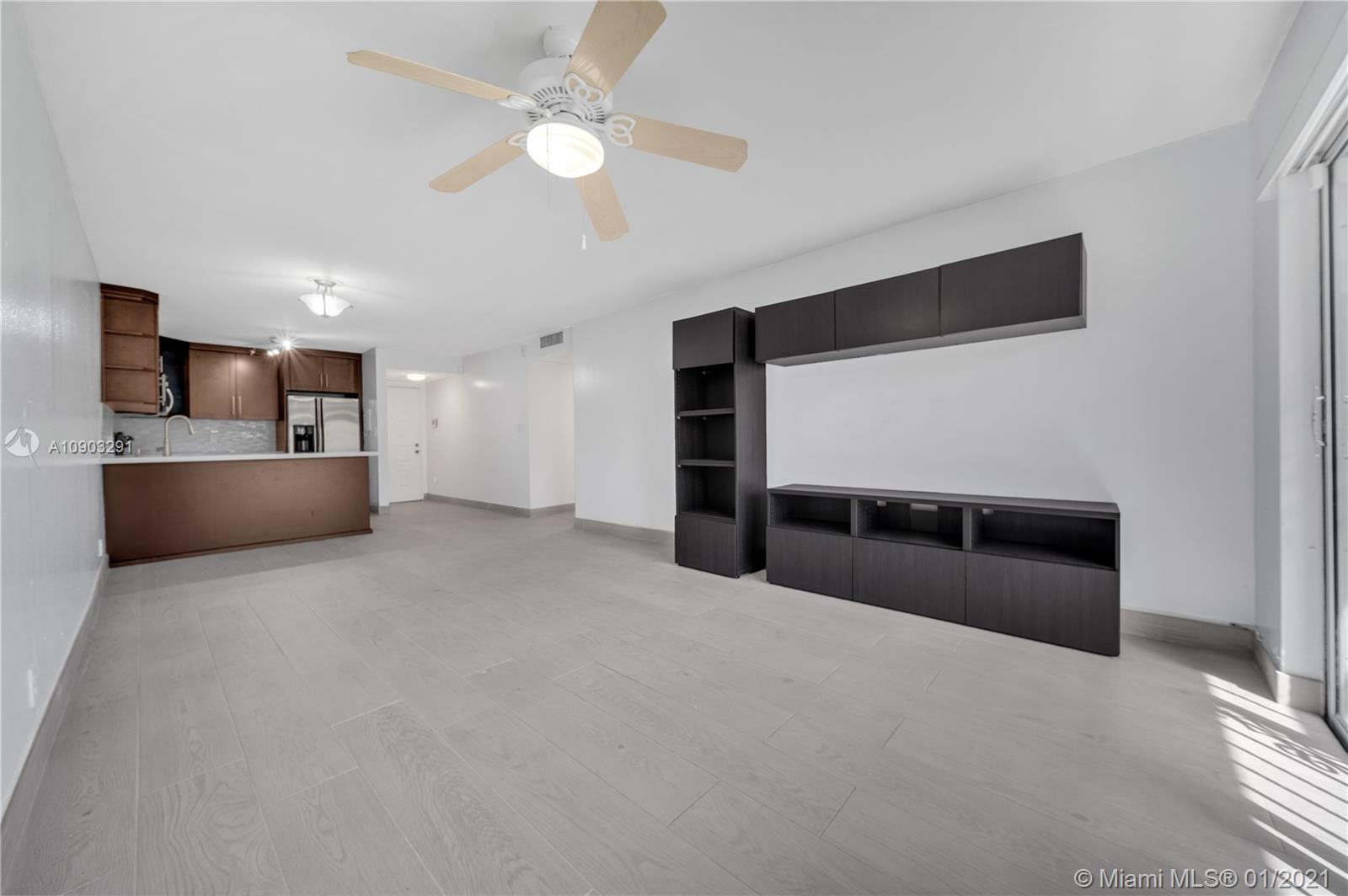 8005  Lake Dr #112 For Sale A10903291, FL