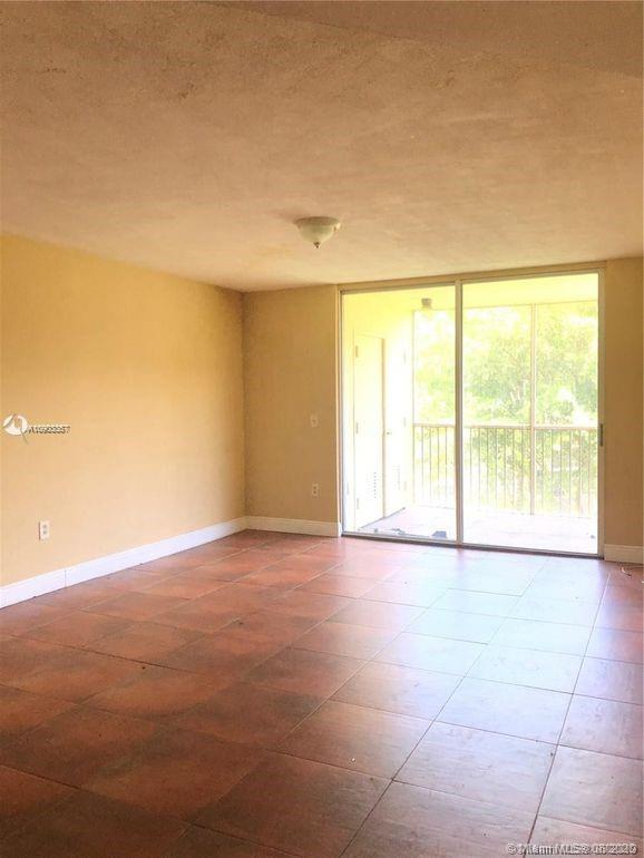 8235  Lake Dr #404 For Sale A10903357, FL