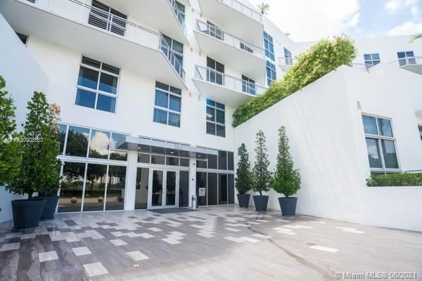 PRICED TO SELL .One bedroom and 1.5 bath in the modern Meridian Condo situated in front of the Miami Beach gulf course. A walking distance to the famous Lincoln Rd and its many restaurants and cafes , the newly renovated convention center and Sunset harbor. Amenities include roof top pool , hot tub deck ,gym and 24hr concierge. The unit Boasts floor to ceiling impact glass doors, two balconies , custom build closets, washer and dryer. A pet friendly Building.