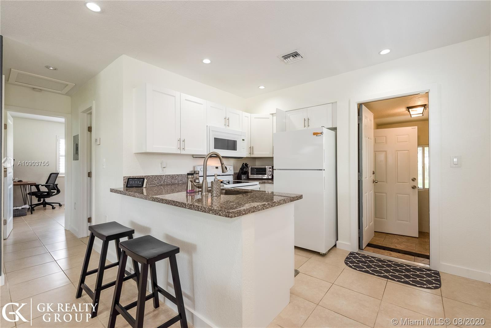 224 SW 22nd St  For Sale A10903755, FL