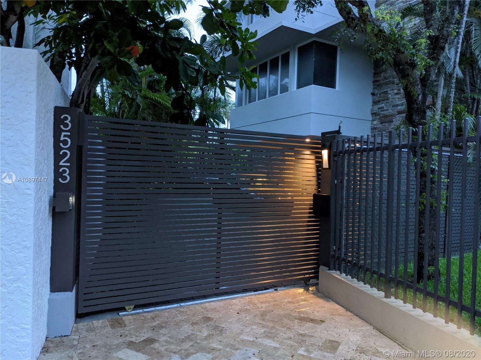 3523 N Bay Homes Dr  For Sale A10897447, FL