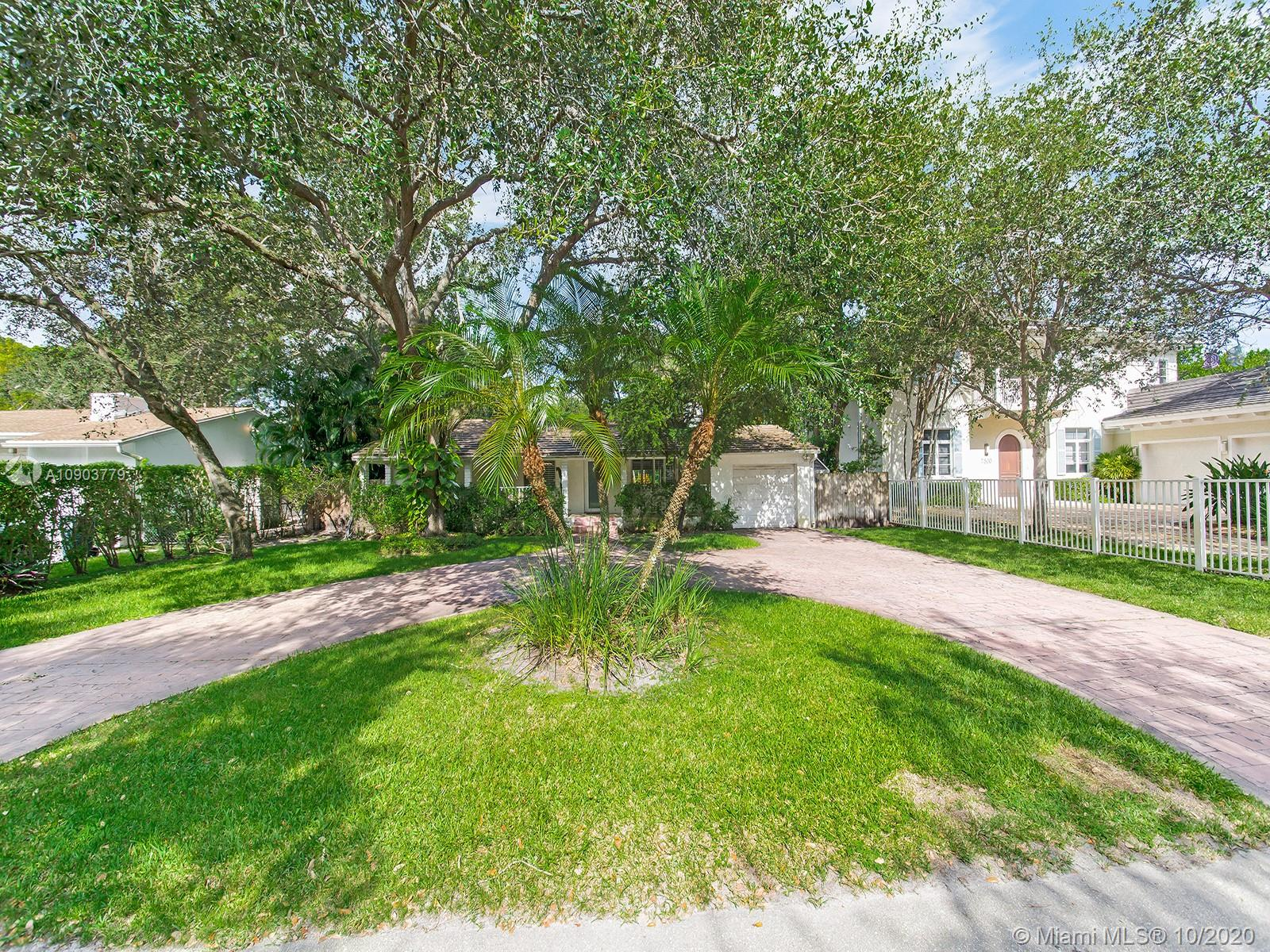 7514 SW 53rd Ave  For Sale A10903779, FL
