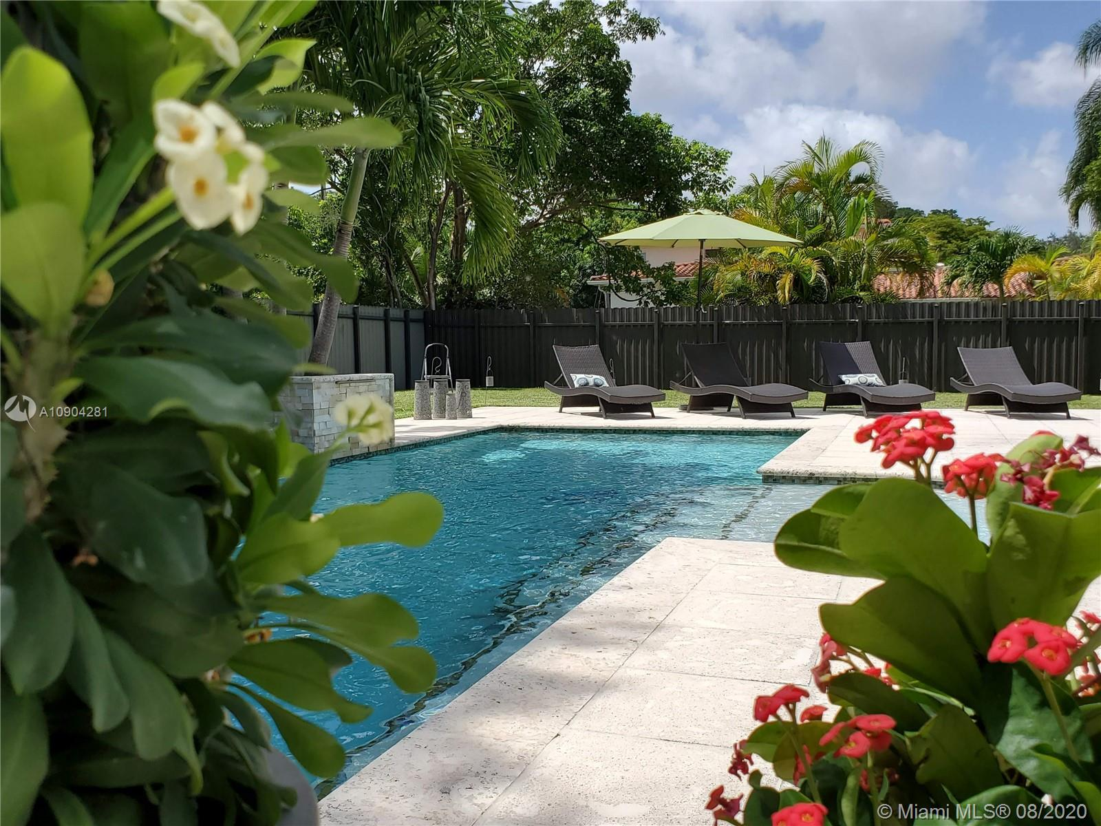 6120 SW 65th Ave  For Sale A10904281, FL