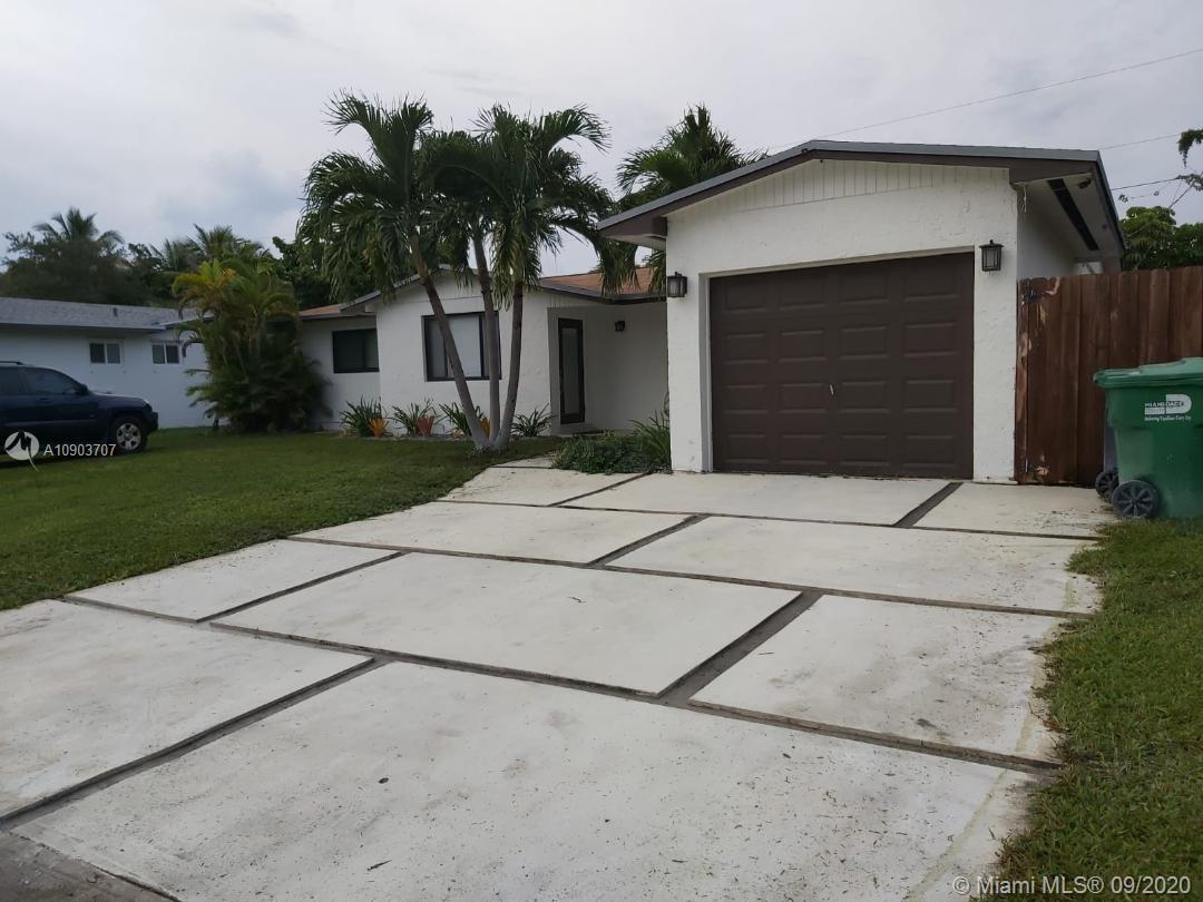 8751 SW 200th Ter  For Sale A10903707, FL