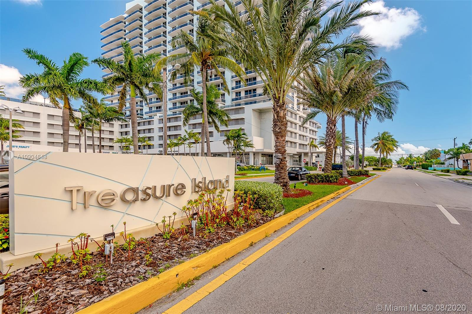 1801 S Treasure Dr #222 For Sale A10904648, FL