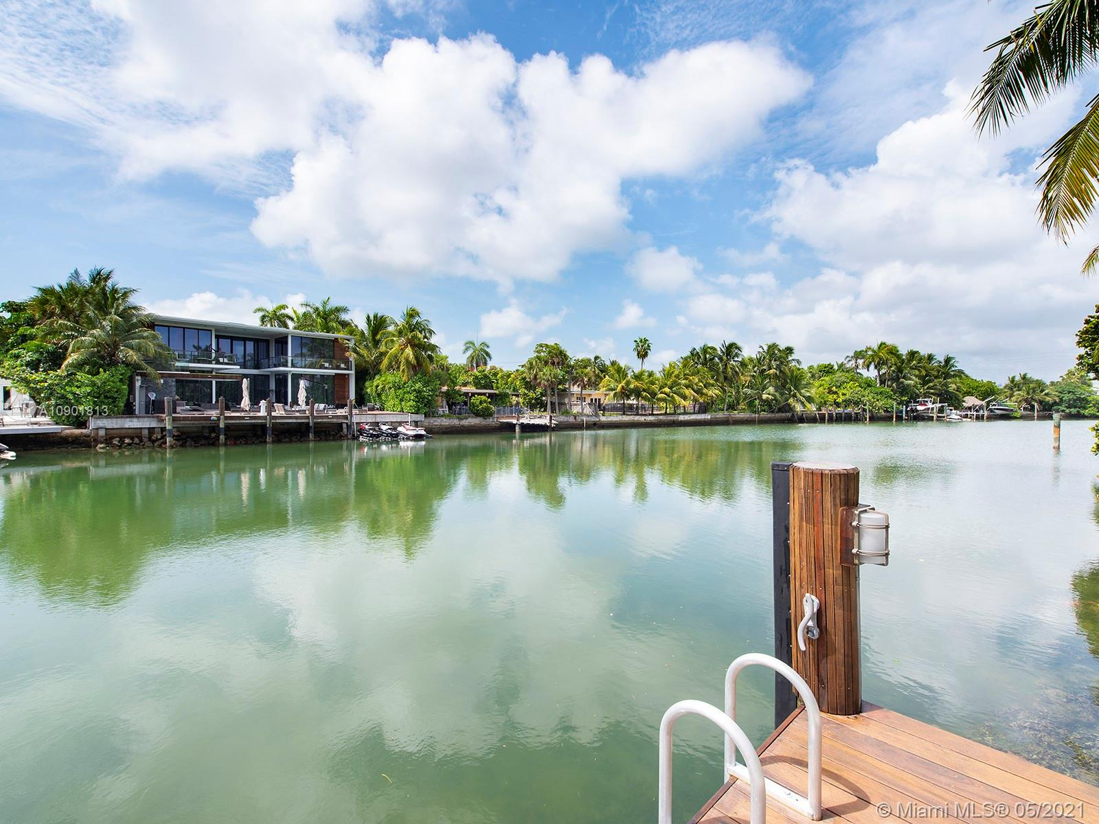 3427 N Meridian Ave  For Sale A10901813, FL