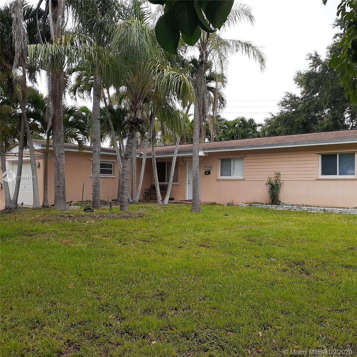 19751  Whispering Pines Rd  For Sale A10904776, FL