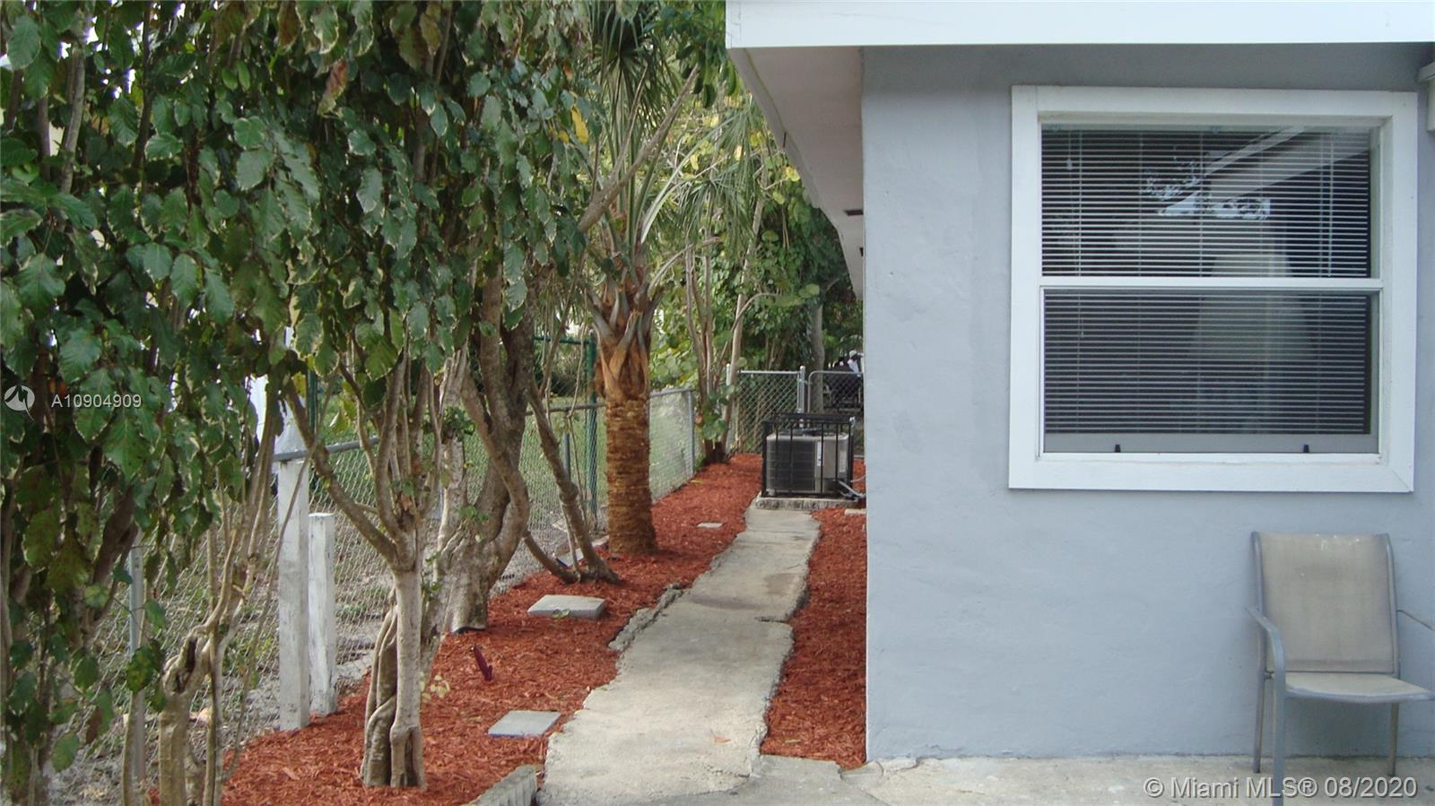 426 SW 4th Ave  For Sale A10904909, FL