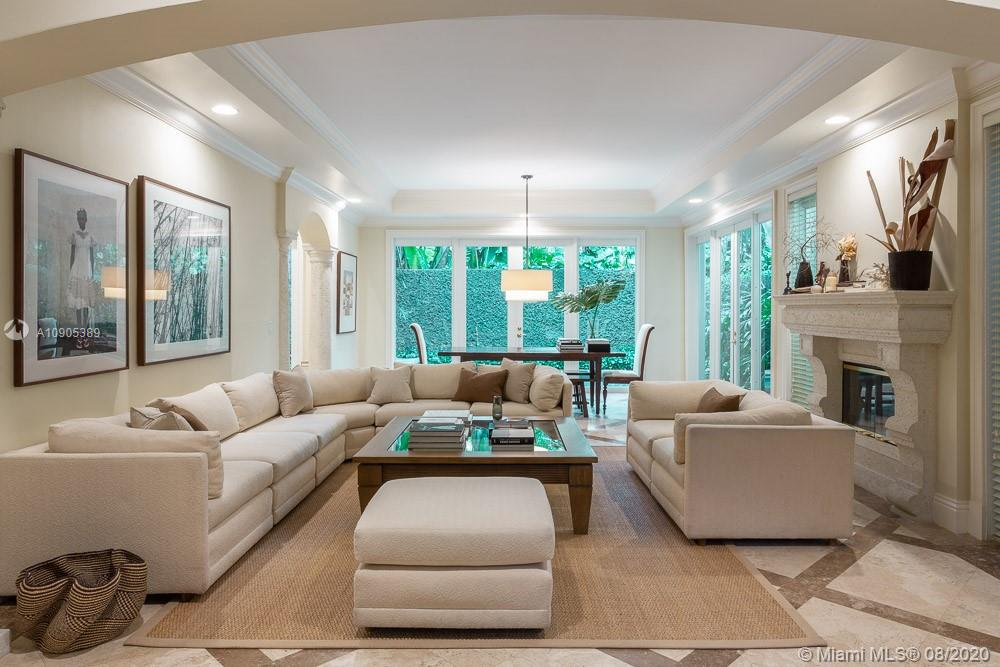 2770  Brickell Ct  For Sale A10905389, FL