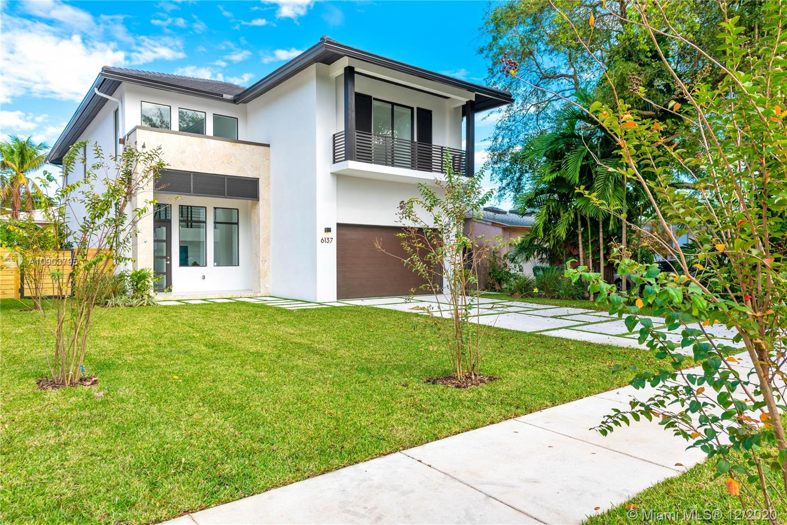 6137 SW 26th St  For Sale A10903795, FL