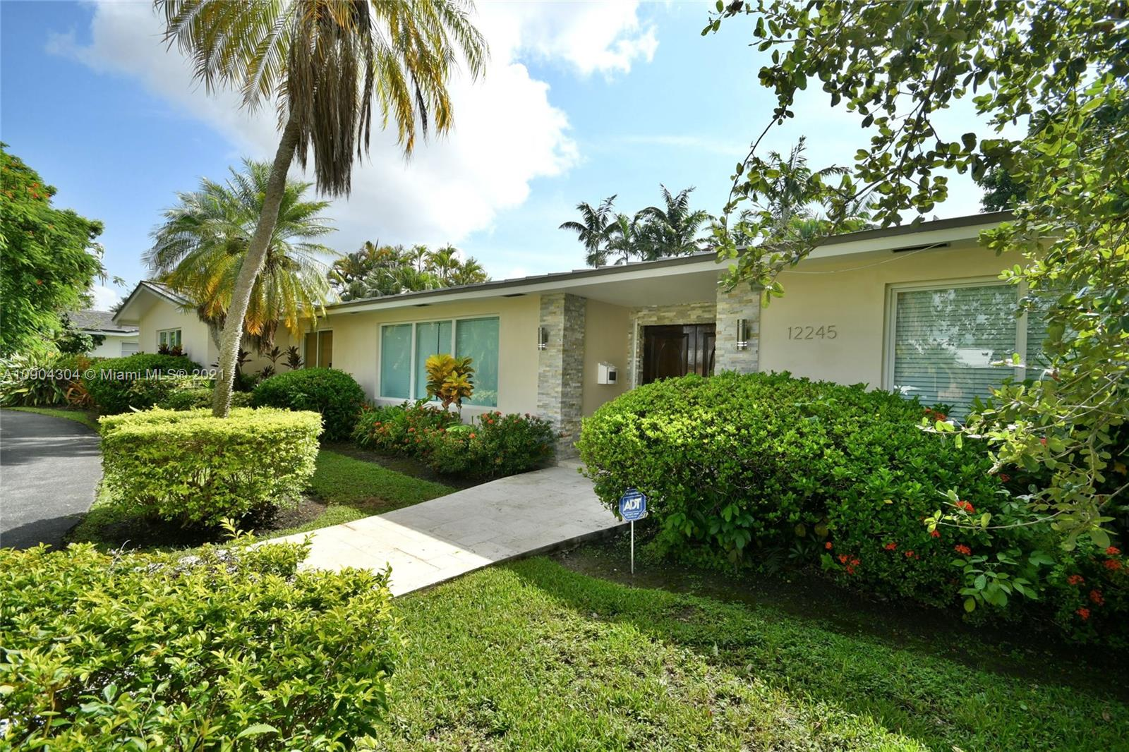 12245 SW 70th Ct  For Sale A10904304, FL
