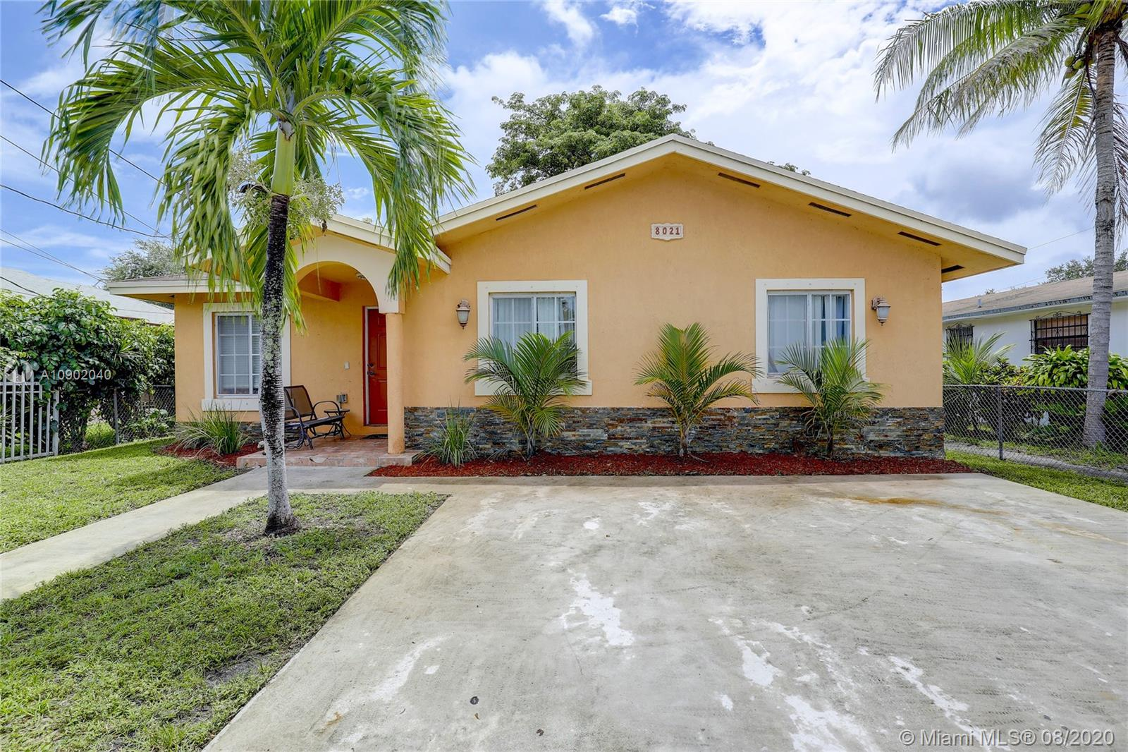8021 NW 11th Ave  For Sale A10902040, FL