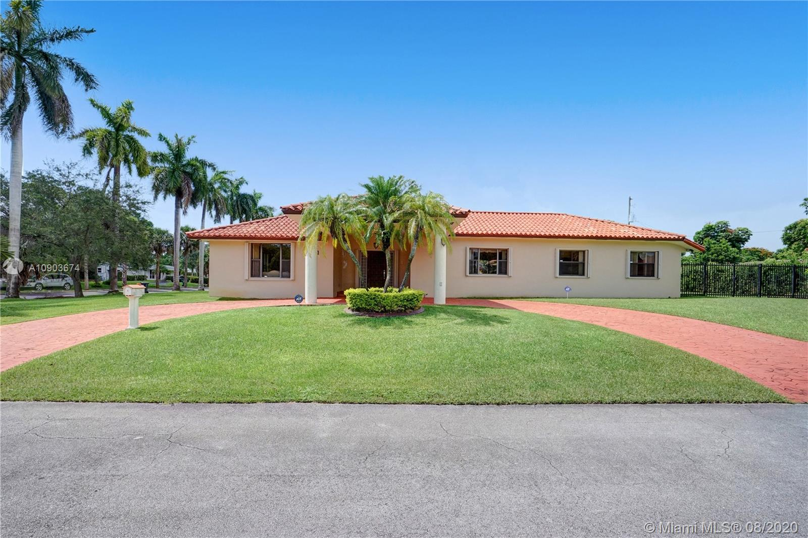 8400 SW 184th Ln  For Sale A10903674, FL