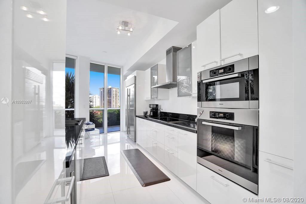 4100  Island Blvd #703 For Sale A10903997, FL