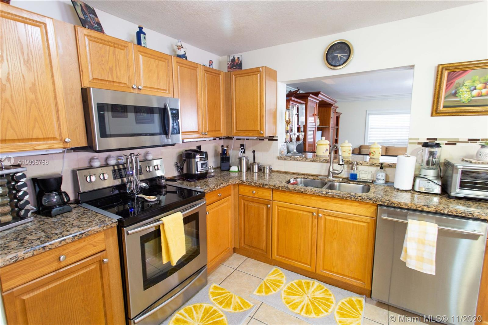 10975 SW 25 St #II For Sale A10905756, FL