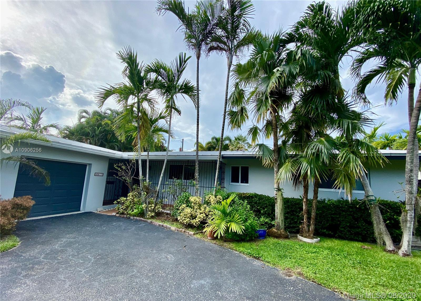 6511 SW 58th St  For Sale A10906256, FL