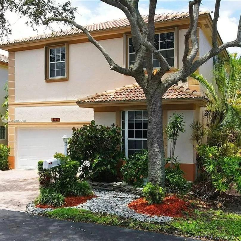 1241  Hayes St  For Sale A10899098, FL