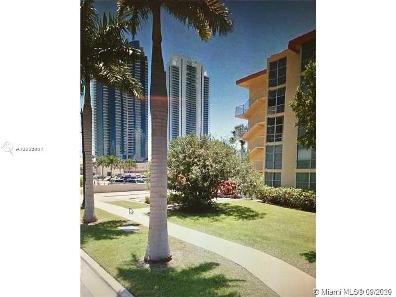 200  172nd St #303 For Sale A10906417, FL