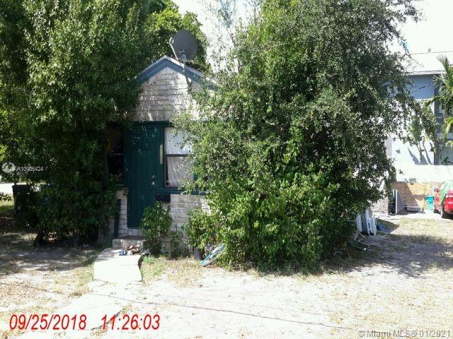 Location. Buy the home, get the oversize lot. Developers and Investors - The House next door just sold for $740,000.  Vintage home by the Corals. 2 Bed/1 bath, living-room and  front family room.  Property is being sold AS-IS. Needs Full Rehab, No central AIR, Needs Sub-floor repair, siding repair or you replace siding with stucco for modern look. Needs roof. Needs work. Terms are Cash or Hard Money Financing ONLY due to the condition of the property. Opportunity to buy land with a single family mortgage.  Close to beaches, US1 , downtown, Commercial Blvd, Wilton Manors, the Corals, Phat Bowy Sushi, Funki Budda, New City Hall and more. DO NOT DISTURB