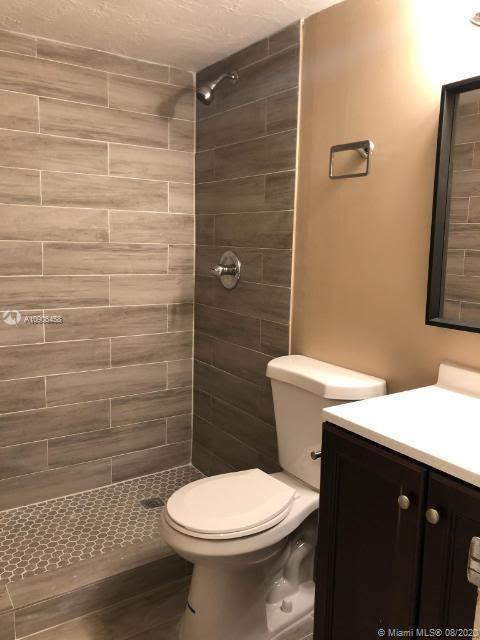6201 SW 37th St #111 For Sale A10906458, FL