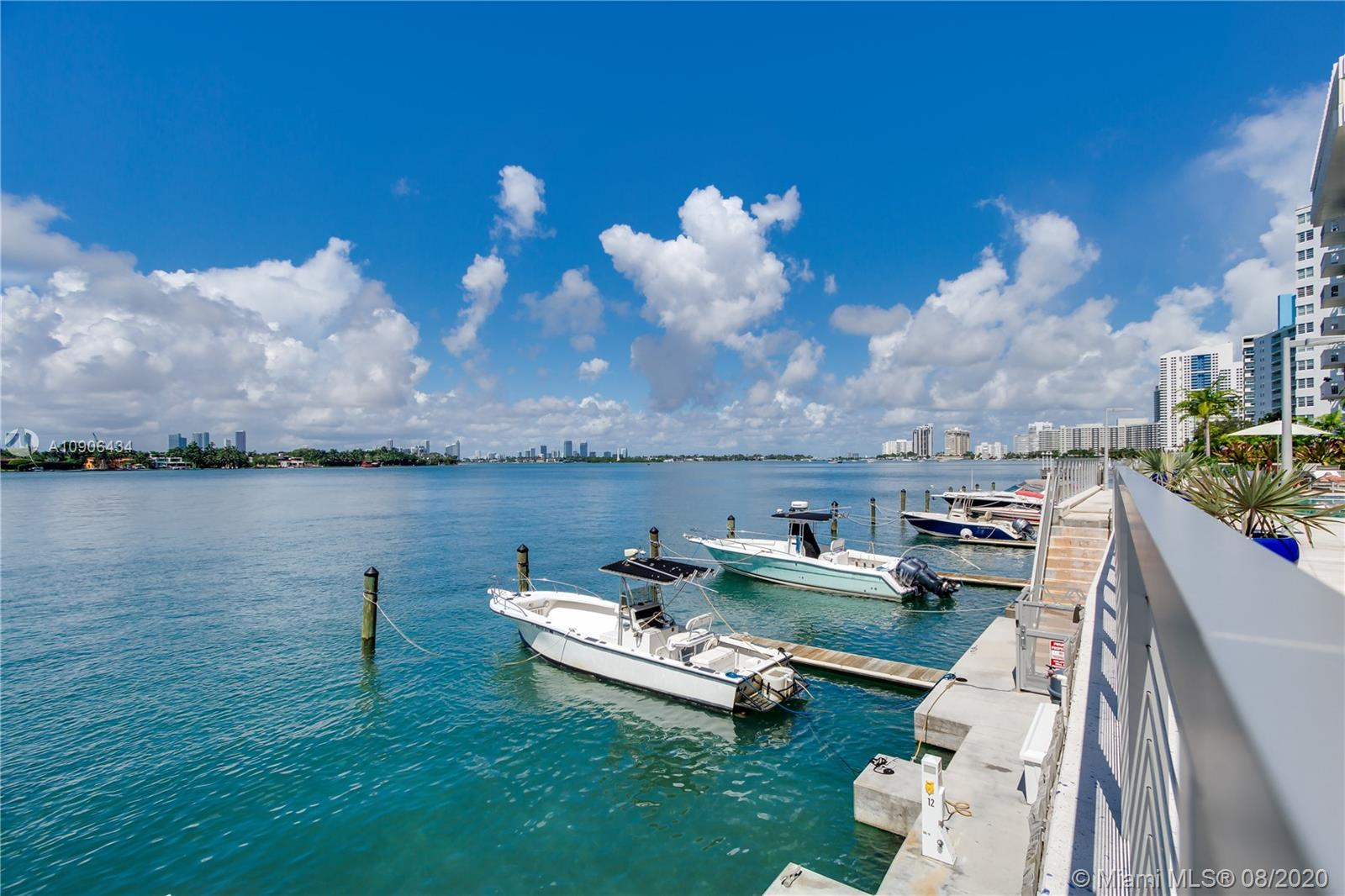 800  West Ave #PH01 For Sale A10906434, FL