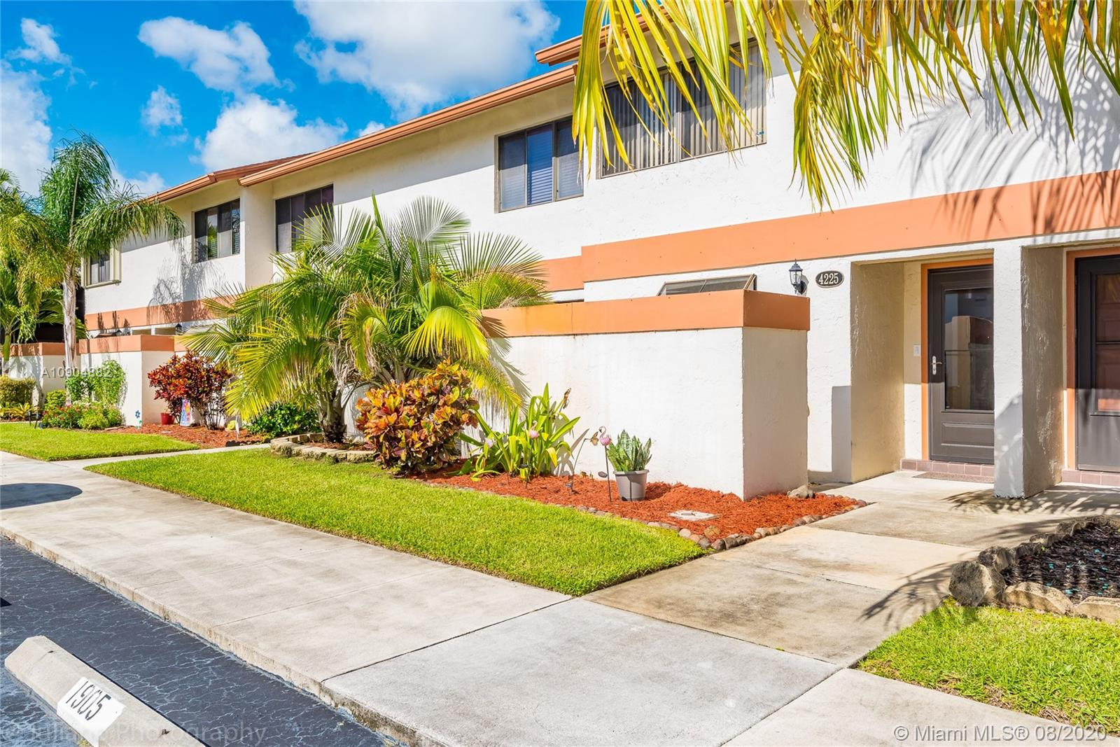 4225 SW 71st Way #1905 For Sale A10904882, FL