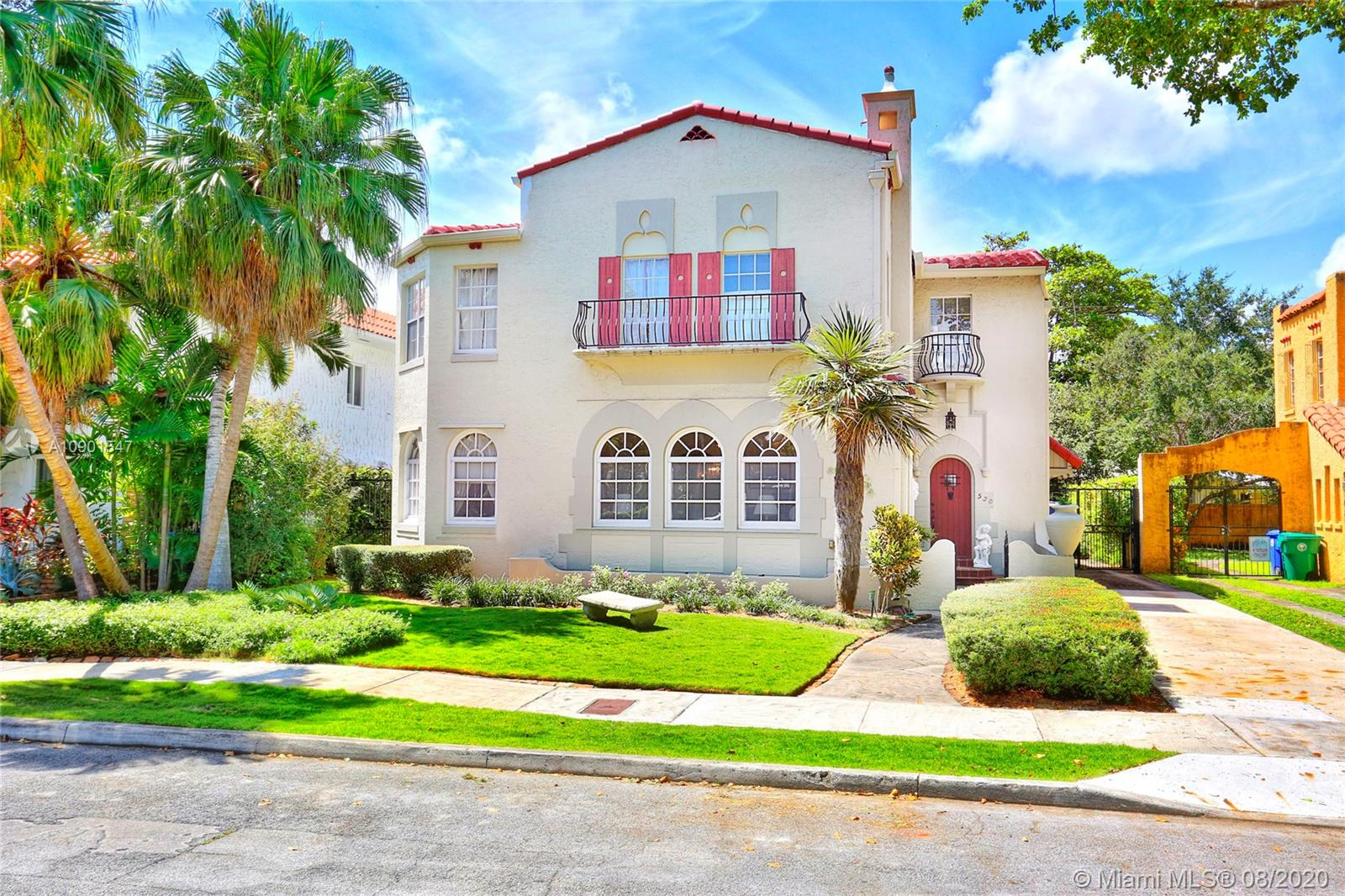 530 NE 59th St  For Sale A10901547, FL