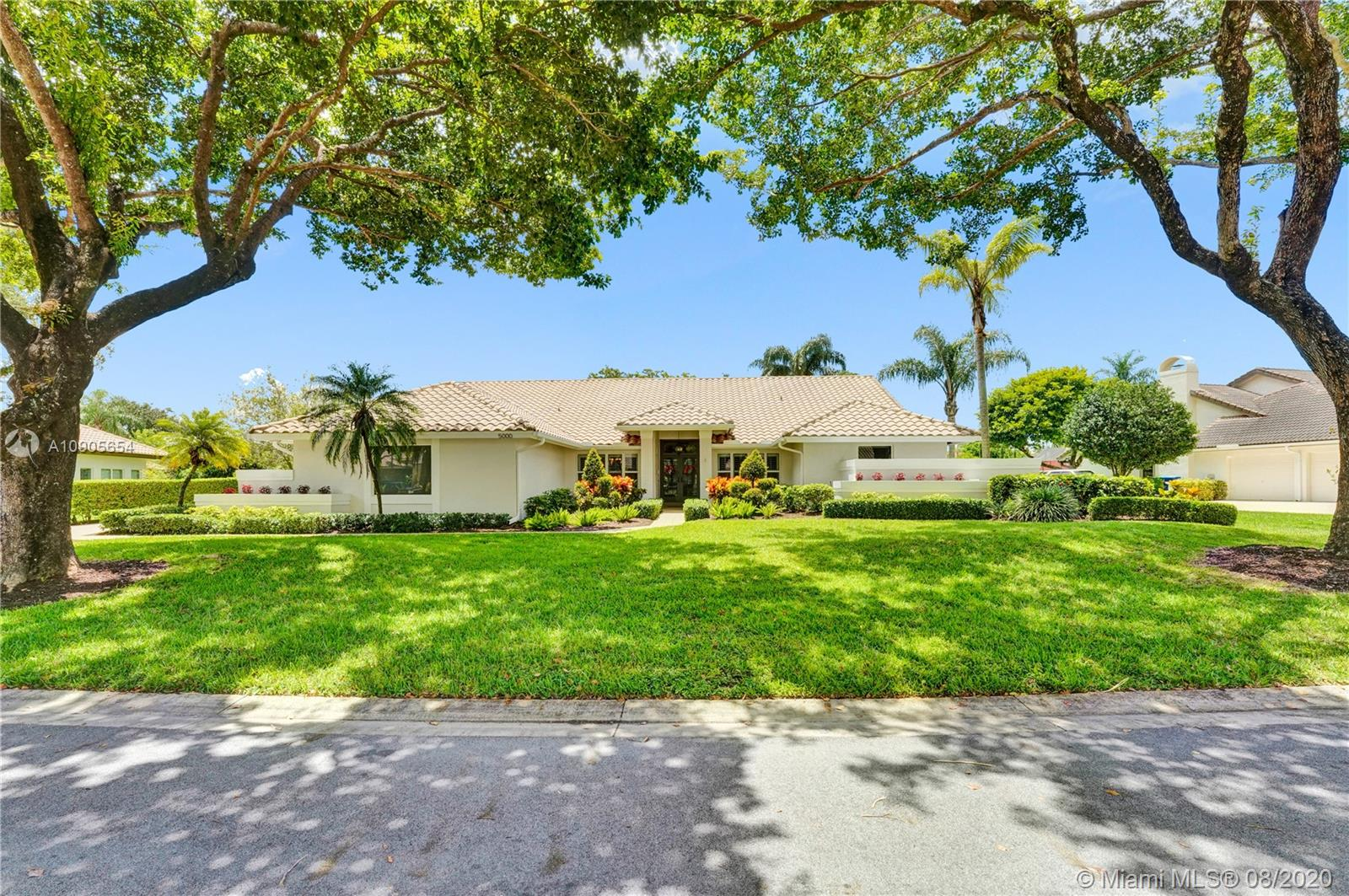 5000 NW 83rd Ln, Coral Springs FL 33067