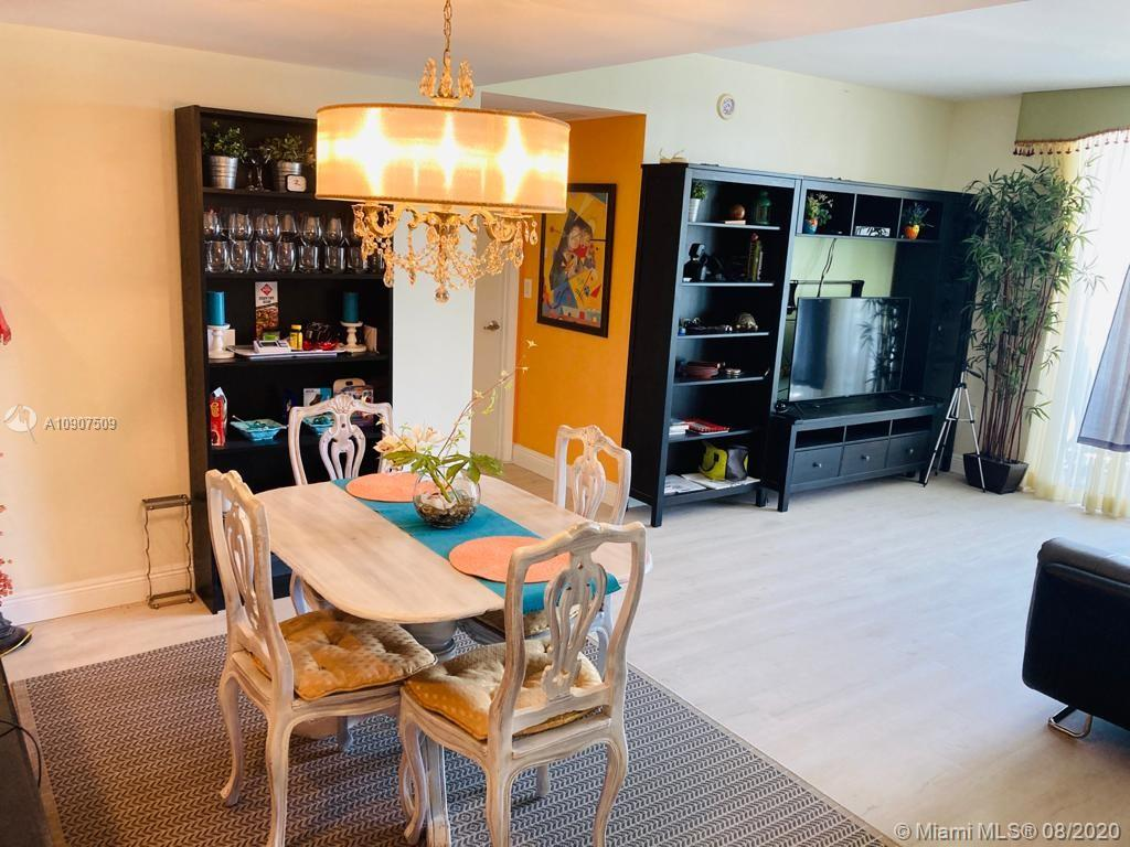 Furnished unit at one of the best buildings in downtown close to shops bay side and more attractions. Cafeterias at walking distance do not miss this opportunity apt has beautiful bay view on the side and full pool view from the balcony .