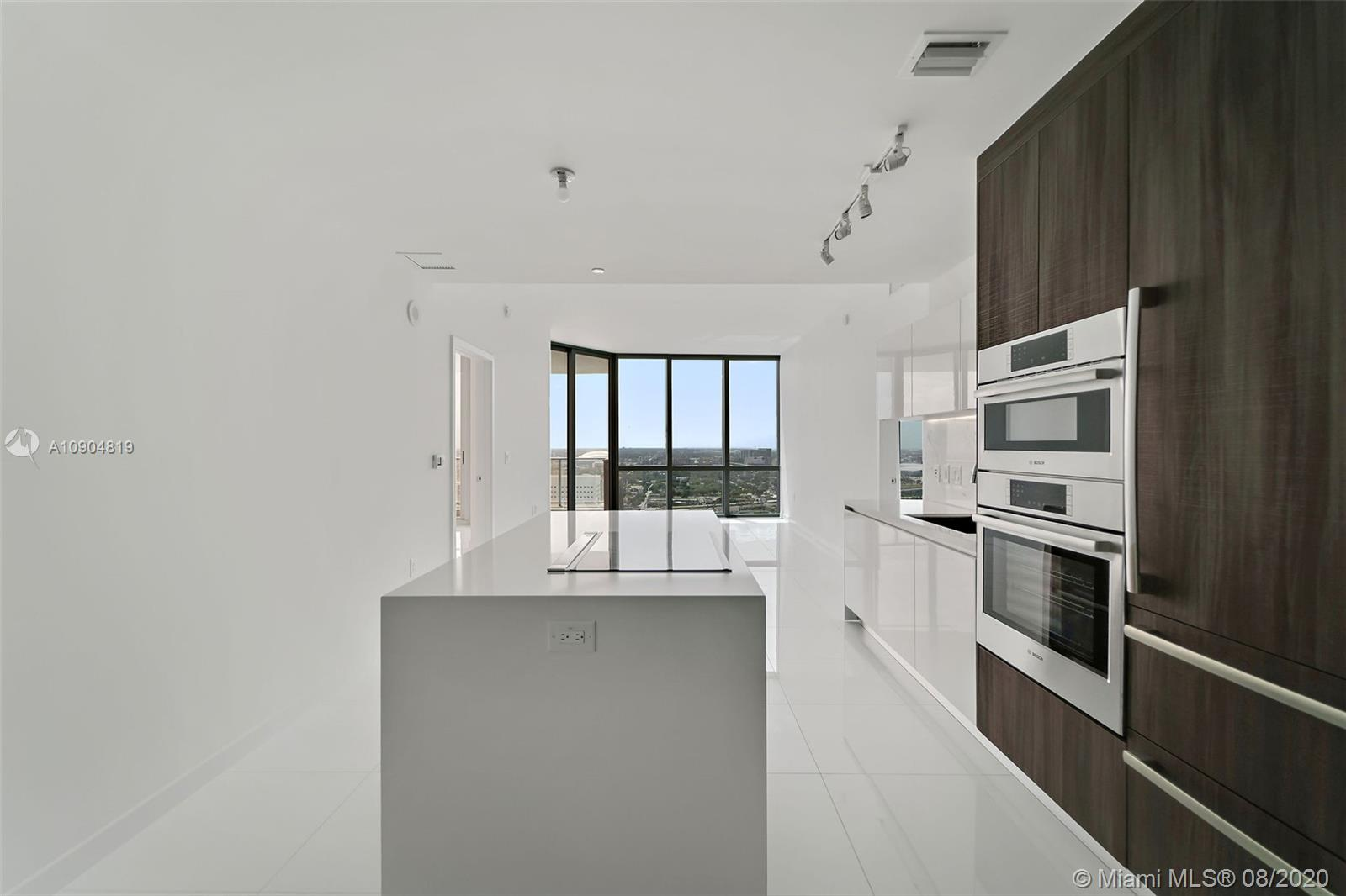 851 NE 1st Ave #3008 For Sale A10904819, FL