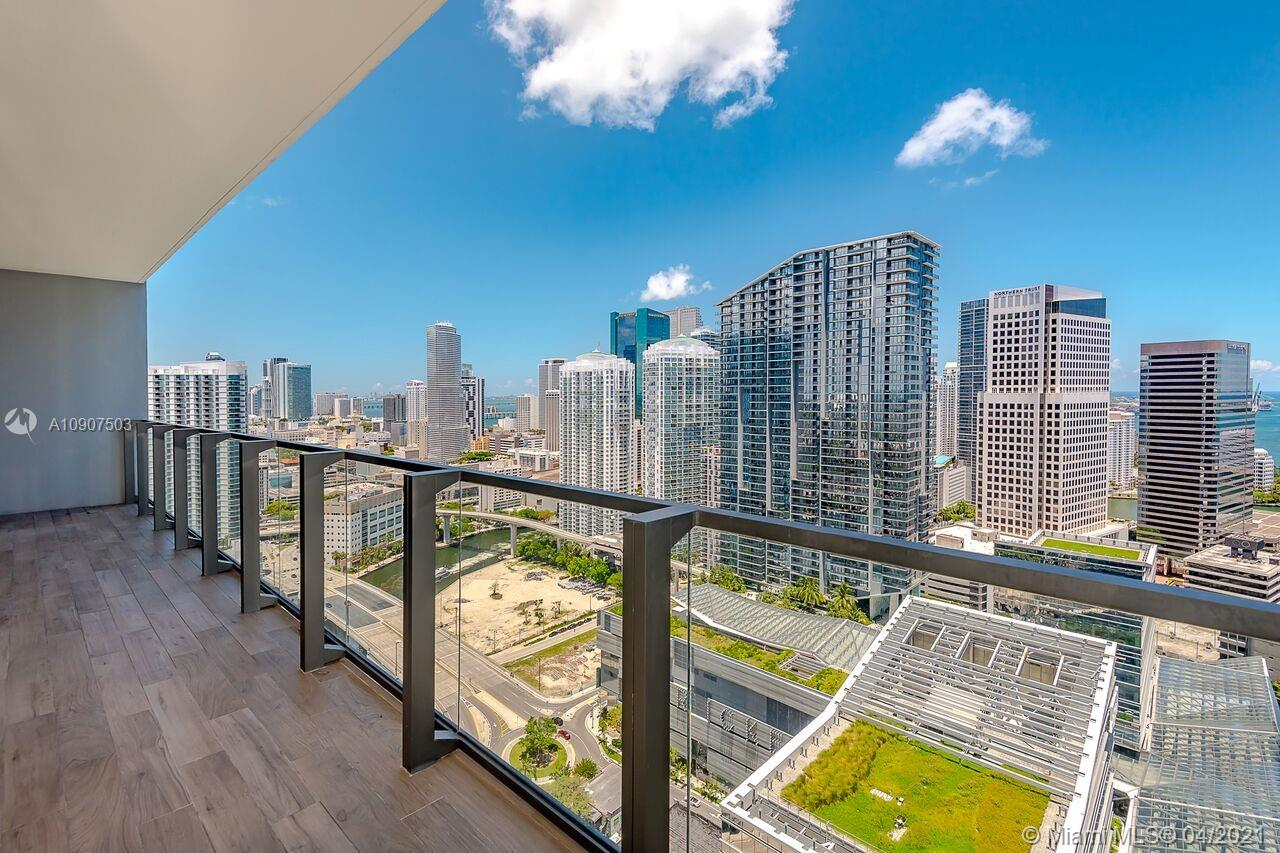 88 SW 7th St #3601 For Sale A10907503, FL