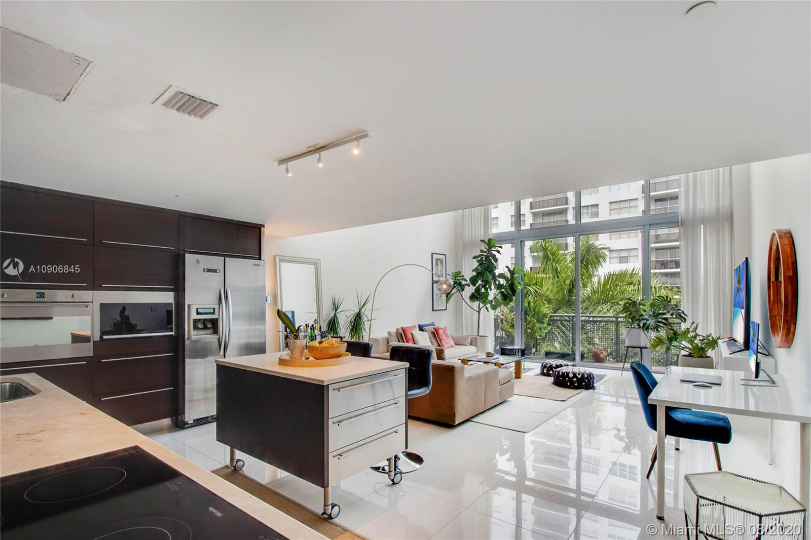 6000  Collins Ave #515 For Sale A10906845, FL