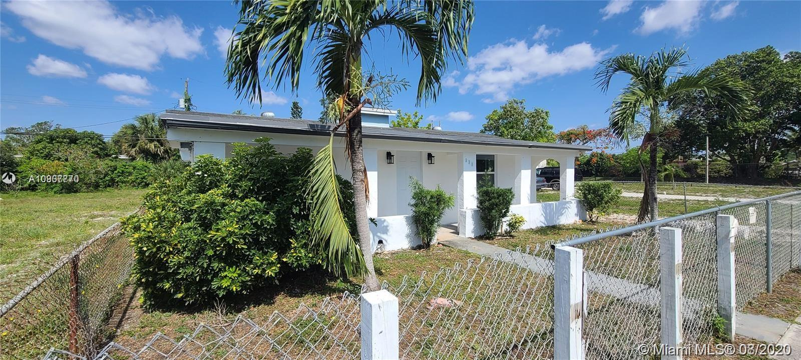 221 NW 28th Way  For Sale A10907770, FL