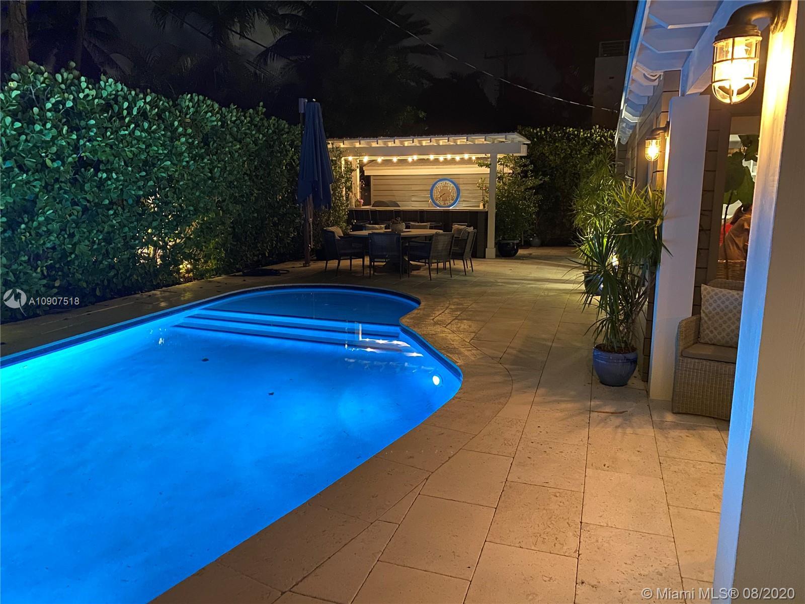 462  Glenridge Rd  For Sale A10907518, FL