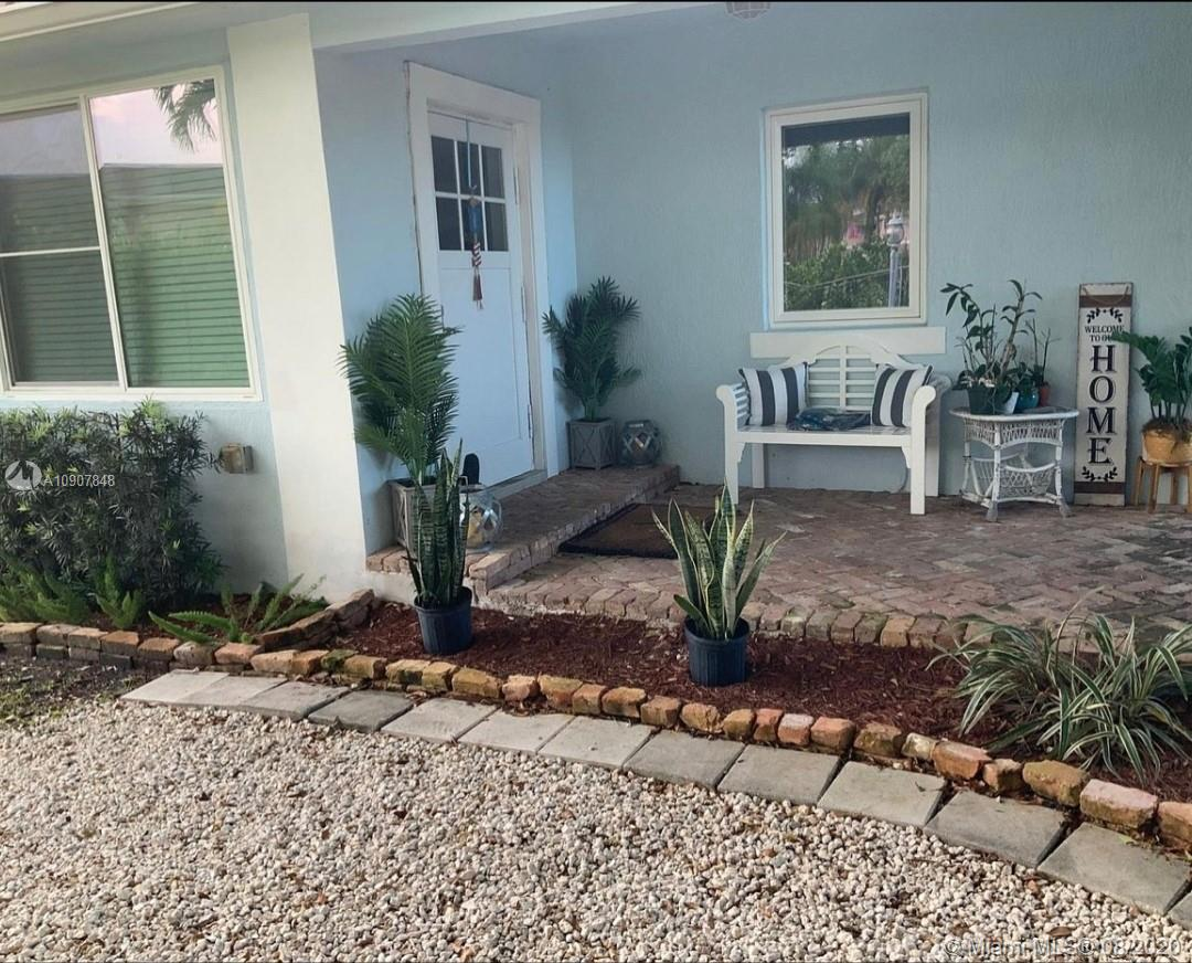 15601 SW 90 Ave  For Sale A10907848, FL