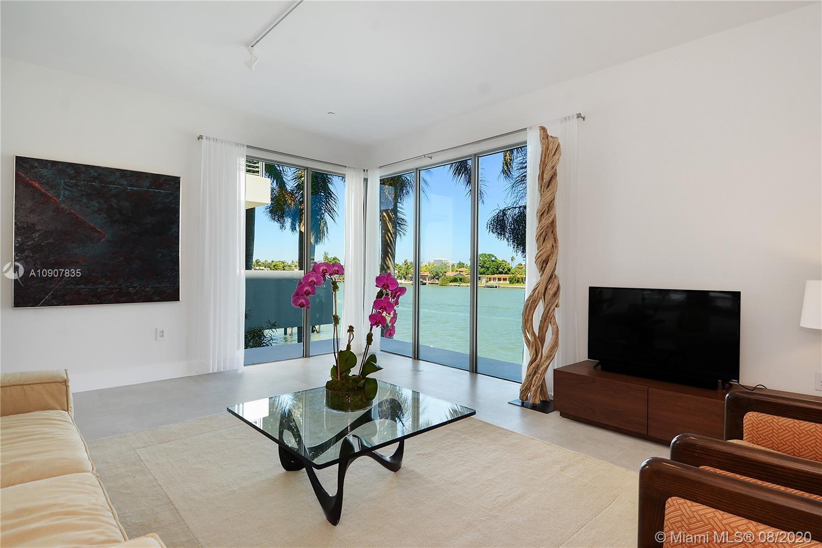 171 N Shore Dr #171-5 For Sale A10907835, FL