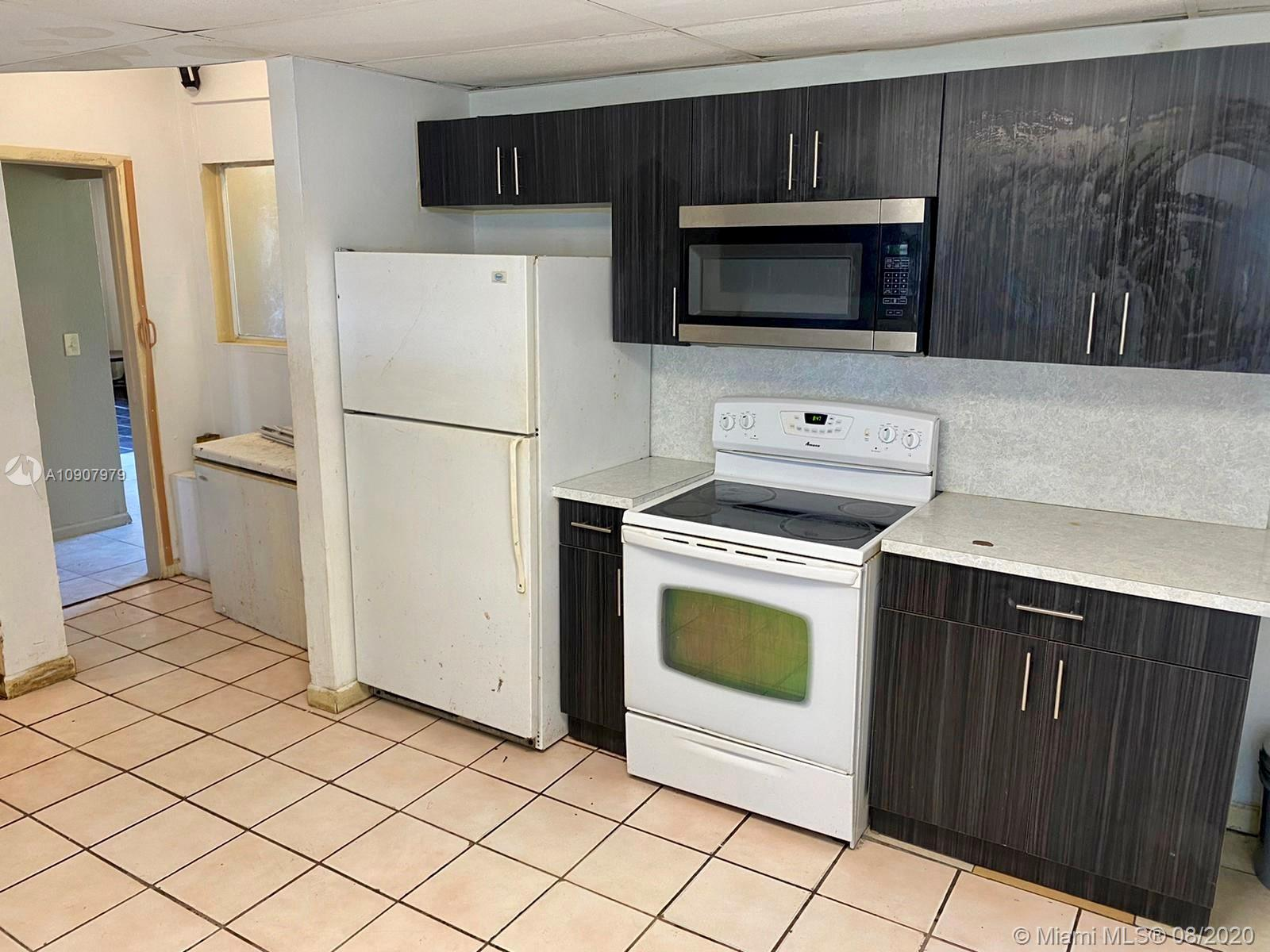 906  4th St #1 For Sale A10907979, FL