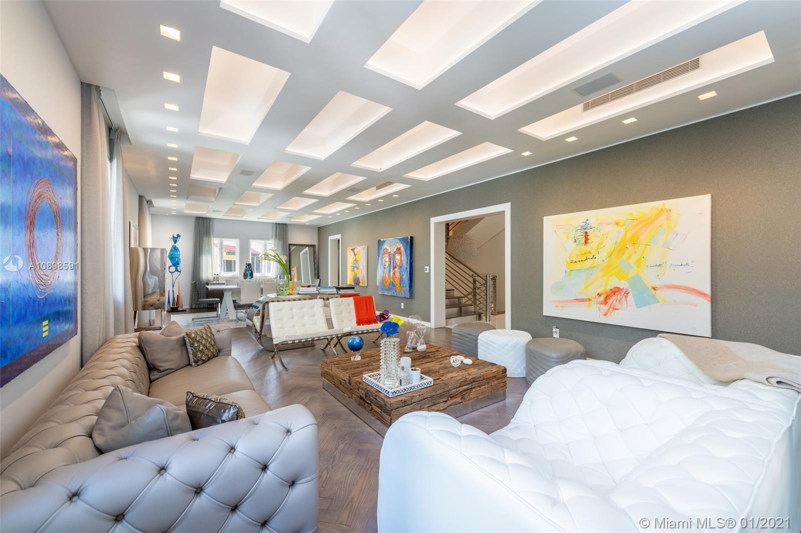 3521  Bayshore Villas Dr  For Sale A10898591, FL