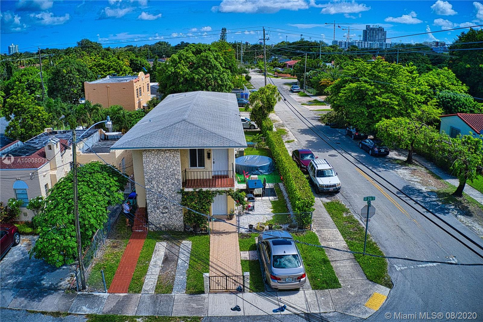 3556 SW 26th  For Sale A10908003, FL