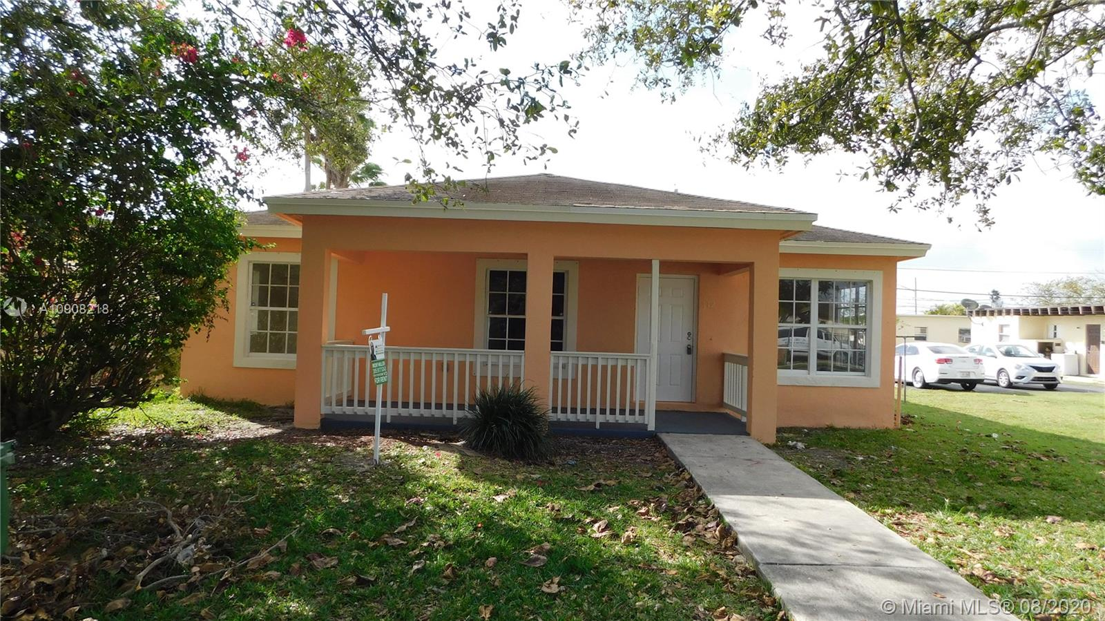 712 SW 6th St  For Sale A10908218, FL