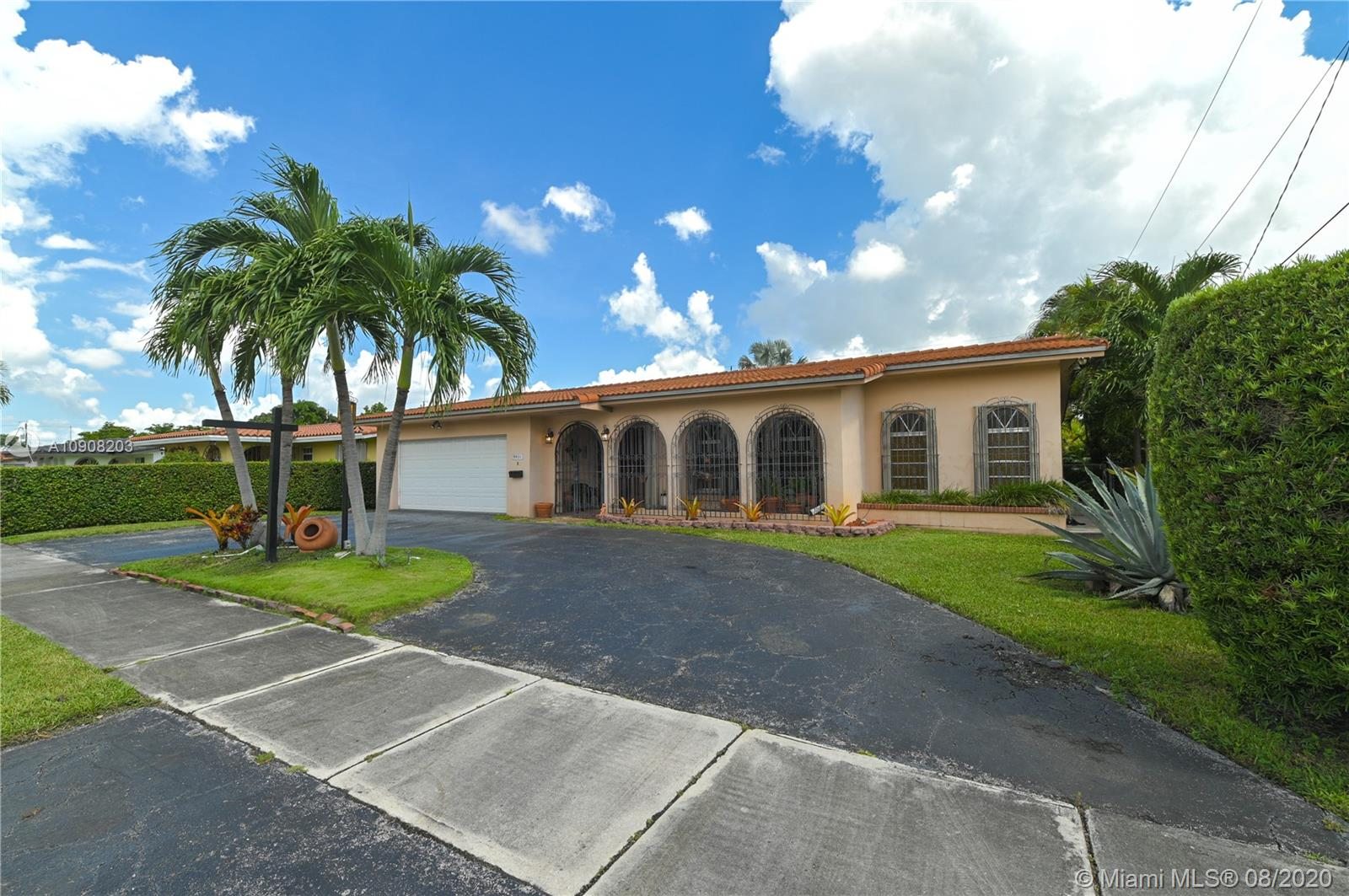 9931 SW 23rd St, Miami FL 33165