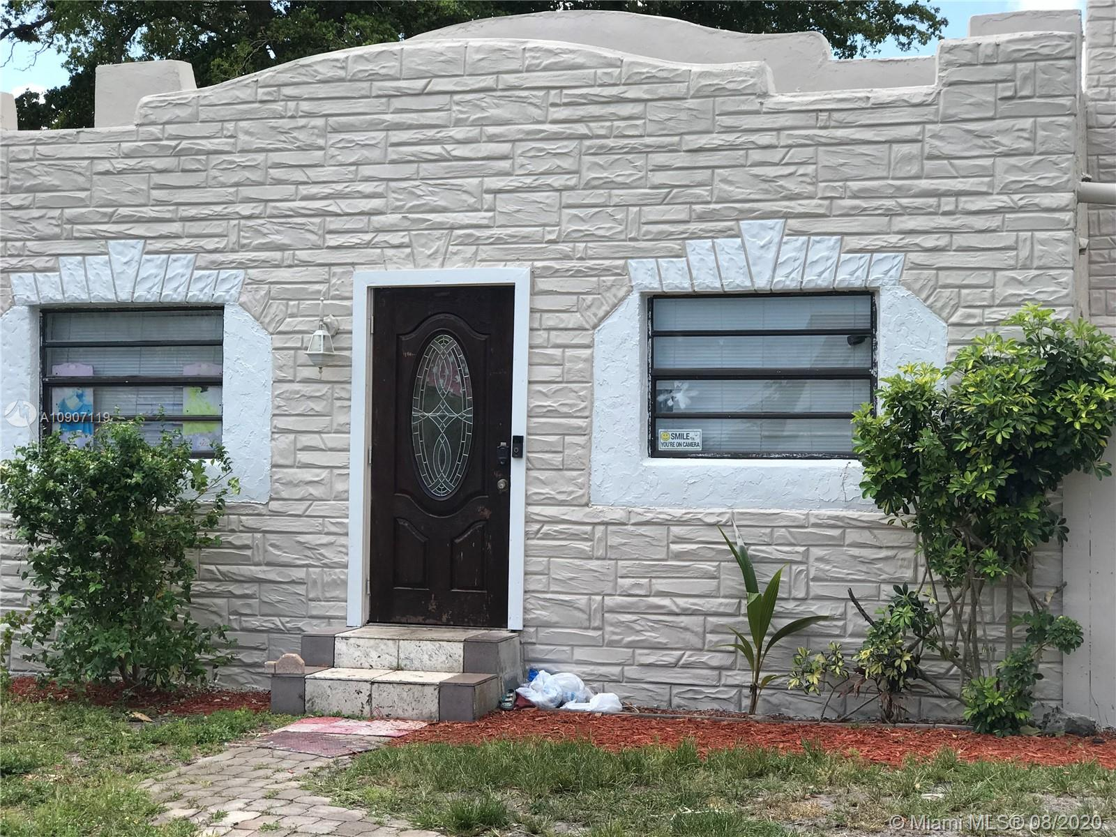 2516  Cleveland St #B For Sale A10907119, FL
