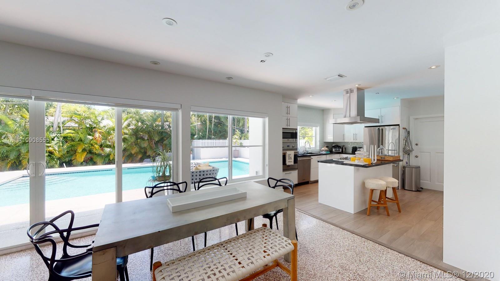 330  Ridgewood Rd  For Sale A10908555, FL
