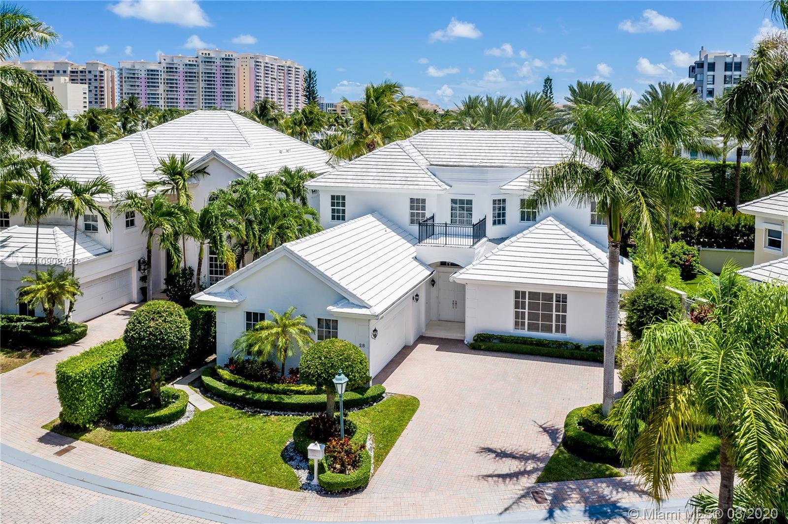 28  Grand Bay Estates Cir  For Sale A10908783, FL