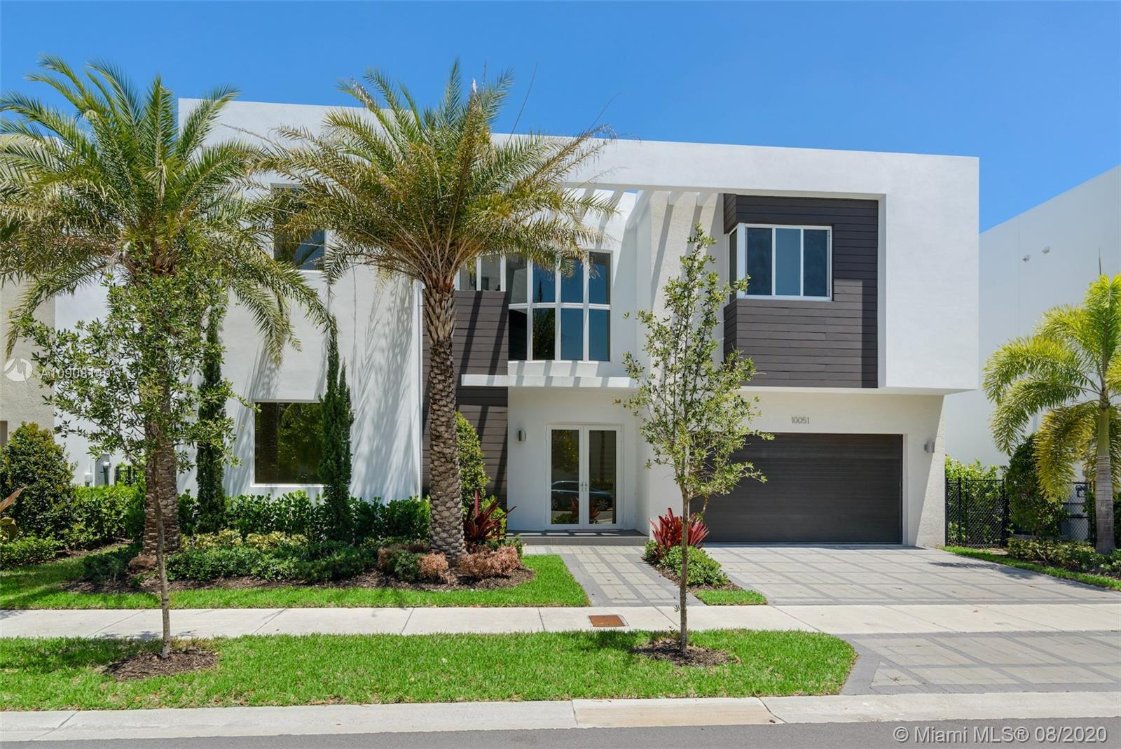 10051 NW 75th Ter  For Sale A10908140, FL