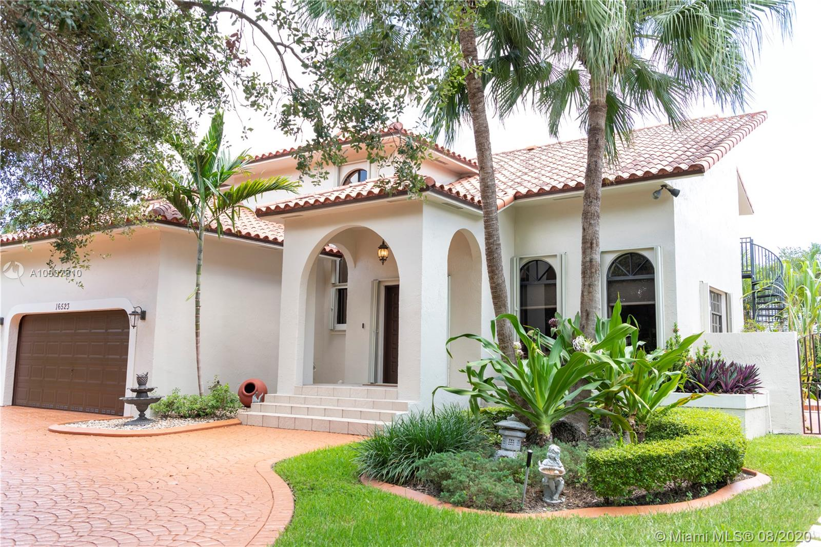 16523 NW 83rd Pl, Miami Lakes FL 33016