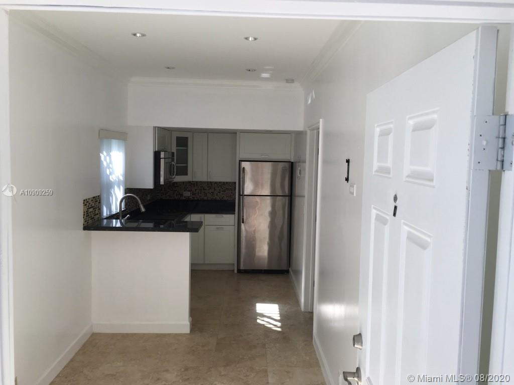 905 SE 2nd Ct #C For Sale A10909259, FL