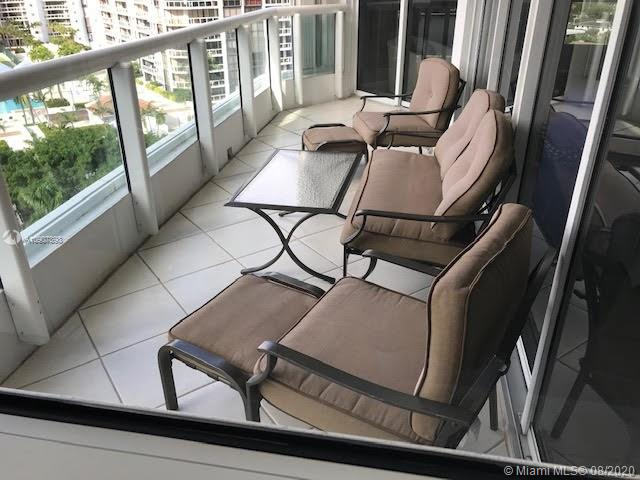21205 Yacht Club Dr #1108, Aventura FL 33180